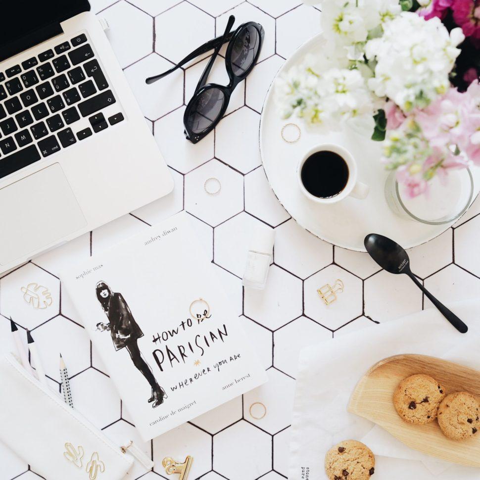 Květuše Vašířová Parisian flatlay fotky pro Instagram